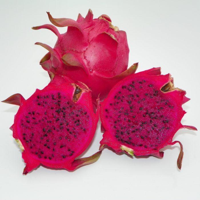 Dragon Fruit variety Makisupa fruit sliced