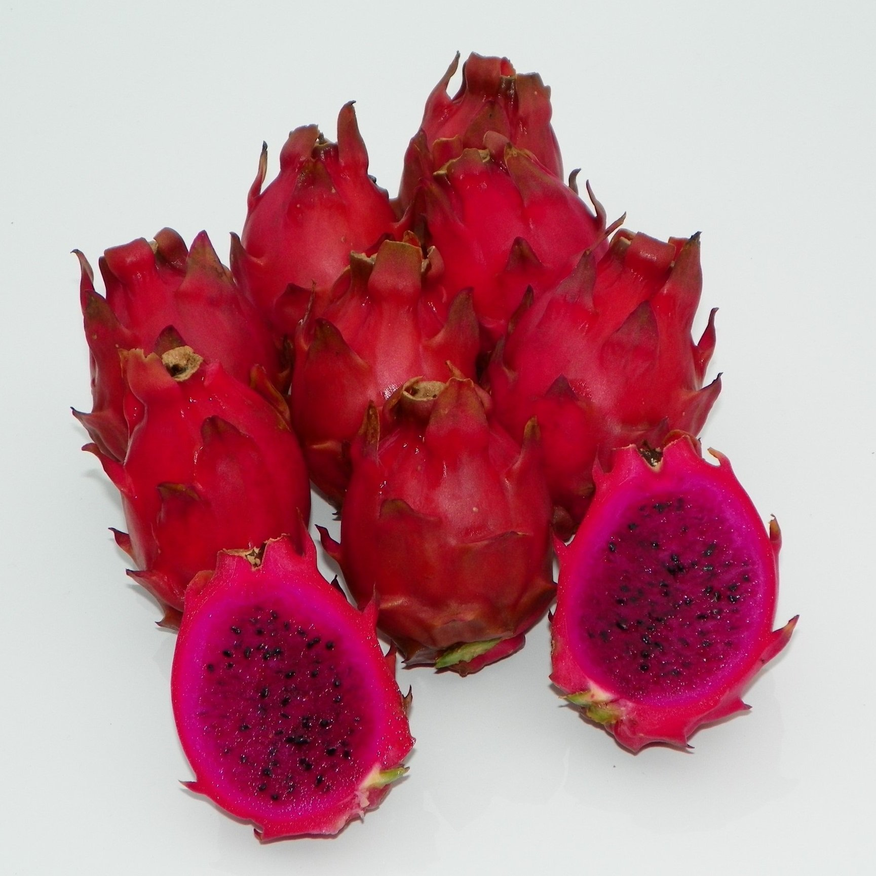 Dragon Fruit variety Voodoo Child fruit sliced