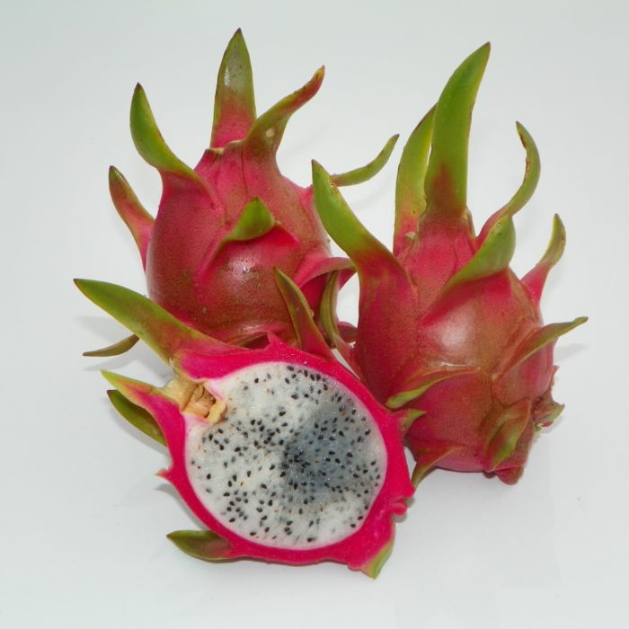 Dragon Fruit variety Vietnamese White fruit sliced